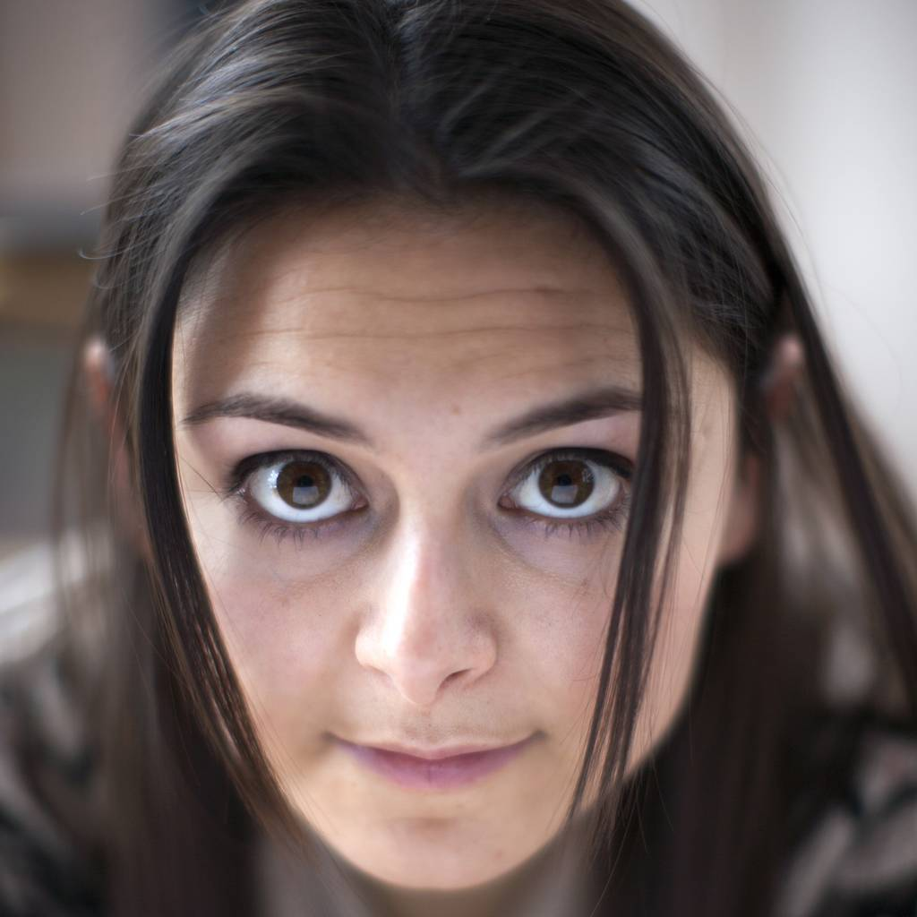 Women with brown eyes most likely to feel sad over bad weather