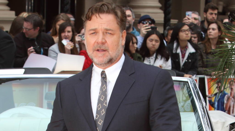 Russell Crowe and Taika Waititi reach out to New Zealand's Muslims after mosque attacks
